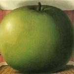 Magritt-Rene-slushayusshaya-komnata